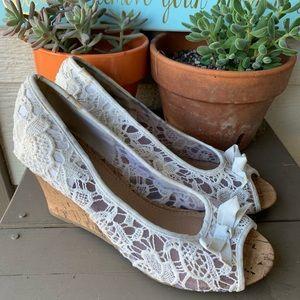 Report Allice Lace Open Toe Wedge Heels Size 8